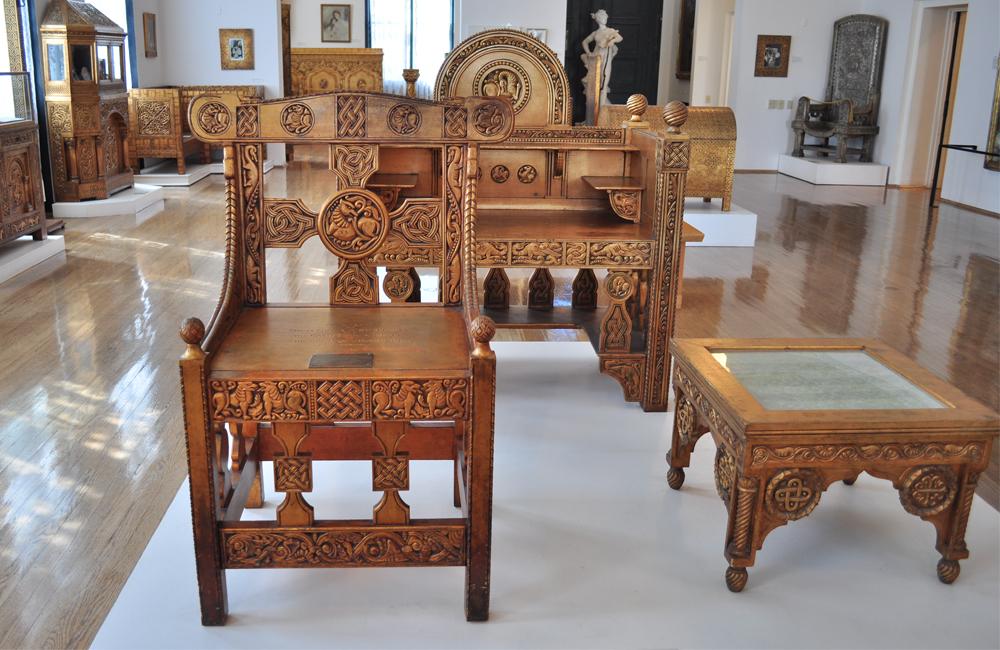 furniture manufacturers in USA