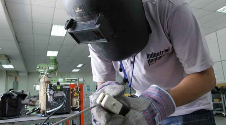 Benefits of Hiring a Welder for Your Home Improvement