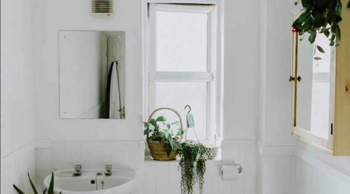 Hiring a Handyman to Remodel a Bathroom