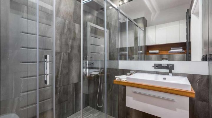 The Recommended Glass Size and Thickness for Sliding Shower Doors