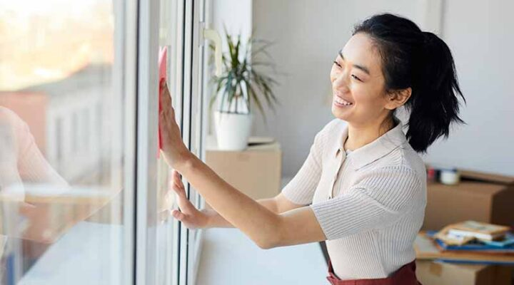 How To Clean Your Windows To Prepare For The Cold Season