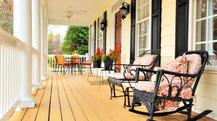 Curb Appeal Tips: How To Decorate Your Porch