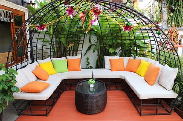 Spruce Up Your Patio With These 10 Budget-Friendly Ideas