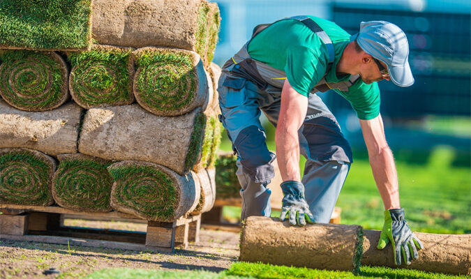 This Is How to Hire a Landscaper for Your House