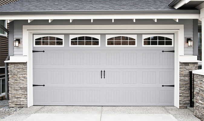 How to Choose a Fitting Garage Door for Your Home