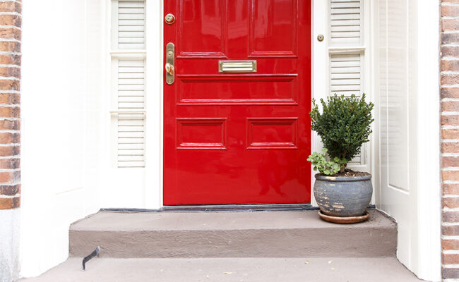 Make a Welcoming First Impression: Tips and Tricks for Choosing the Perfect Front Door Material