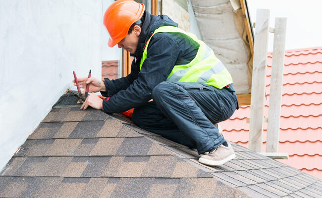 How to Choose a Roofing Company: The Essential Features to Look Out For