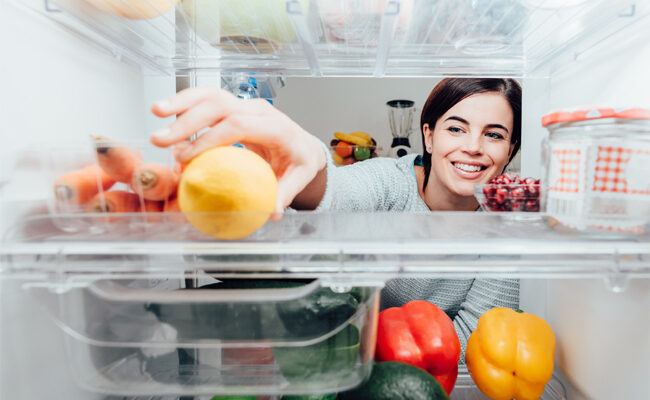 How to Clean Out a Fridge: A Guide for Homeowners