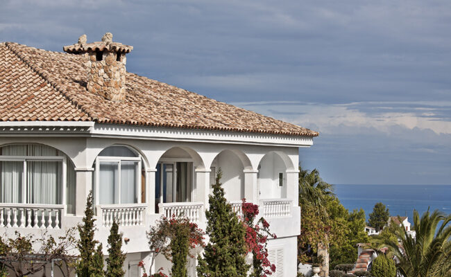 The Pros and Cons of Clay Roofing Tiles, Explained