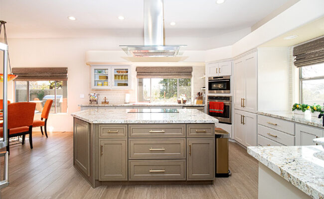 """White Kitchen, """"Evergreen"""" Or Outdated?"""