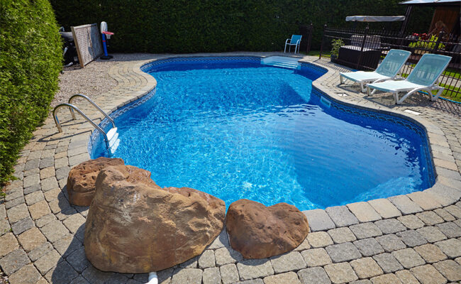 6 Helpful Pool Maintenance Tips