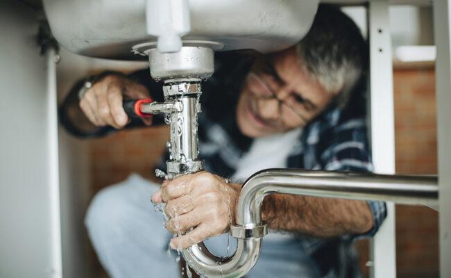 9 Common Plumbing Mistakes DIYers Make