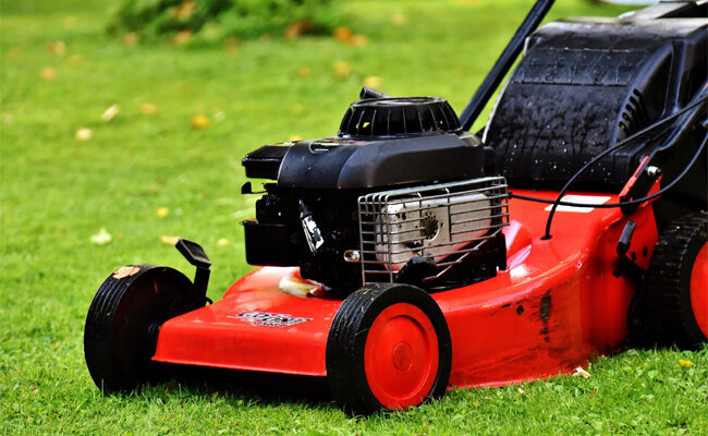 How Much Does the Average Lawn Mower Service Cost?