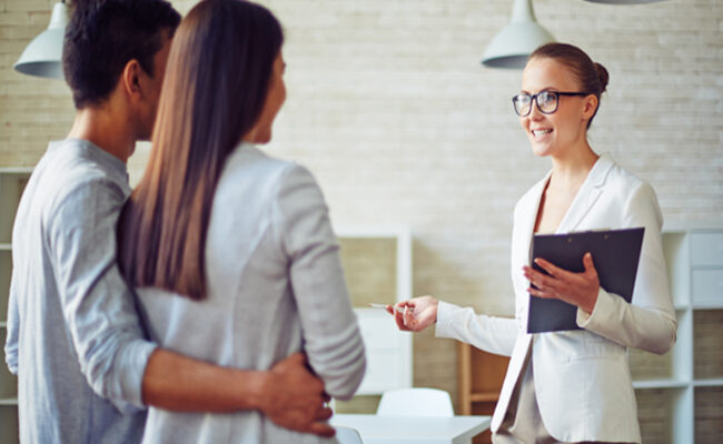 How to choose and find the right real estate agent