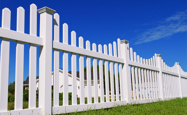 Top 5 Incredible Benefits of Installing a Backyard Fence